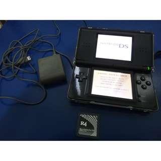 黑色 NDSL (含充電器+R4卡一張-透明保護殼)
