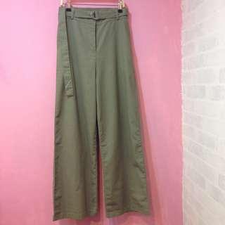 [彩色櫥窗]軍綠修身加長落地褲(附腰帶)