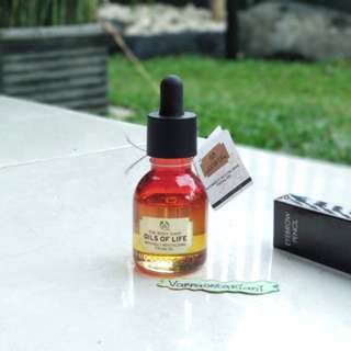 THE BODY SHOP Oils Of Life Facial Oil (Free Eyebrow Pencil)