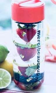 mercibeaucoup water bottle 可愛生菓水樽