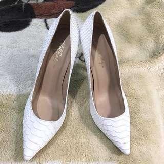 White faux snake skin point toe heels