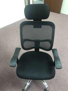 20 pcs of Office chairs for sale each for