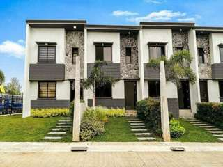 Preselling Townhouse 135K discount in Dasma