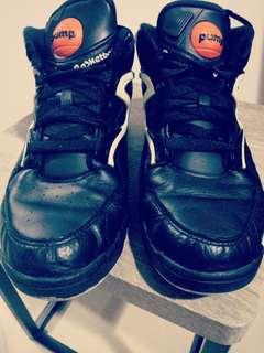Size 10.5 US - Reebok Basketball shoes