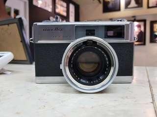 Minolta Hi Matic 9 (film camera)