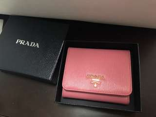 Prada Wallet (100% real & new)