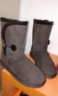 Sepatu UGG - Unisex