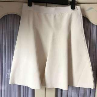 白色短裙 White Skirt