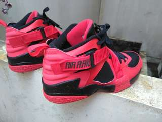 🔵(OG)Nike Air Raid in Red and Black bonus sneaker-Rare item-