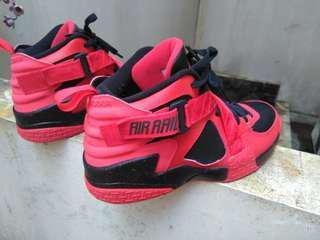 🔵(OG)Nike Air Raid in Red and Black bonus sneaker-Rare item-