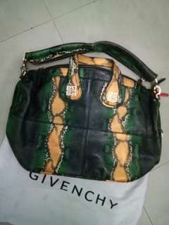 Premium Givenchy tote limited phyton
