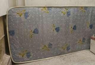 Mattress 2. 5 x 6 ft 床褥