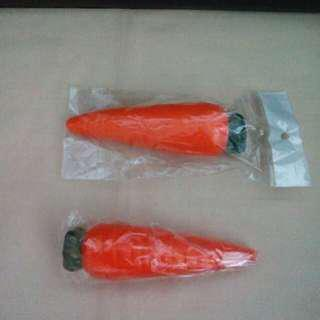 Carrot squishy toy