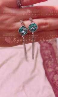 🚚 【現貨】香港正生銀飾-方鑽流蘇耳環(針)