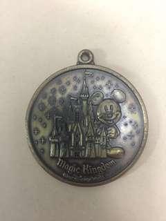 [TSHSE] Vintage Walt Disney World Magic Kingdom Keychain