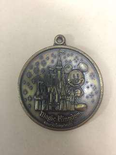 [TSHSE] Vintage Walt Disney World Magic Kingdom Keychain