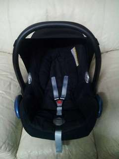Maxi Cosi Carseat Black