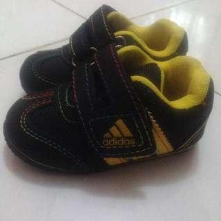 Sepatu Bayi Baru Jalan