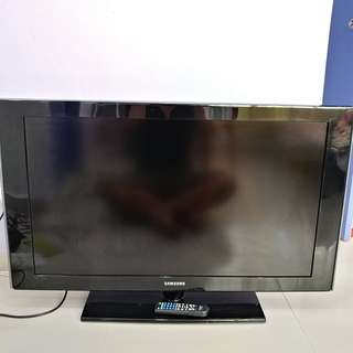 Samsung 40 inch Full HD 1080p LCD TV with remote