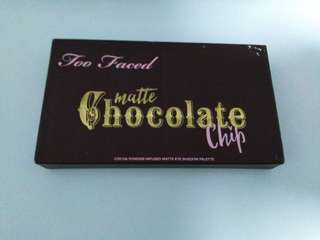 Too faced matte chocolate chip mini
