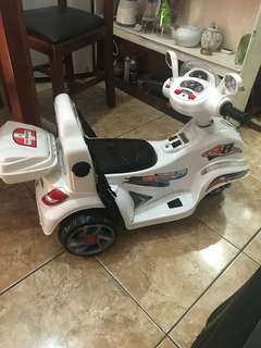 Jual murah . Motor mobil aki anak