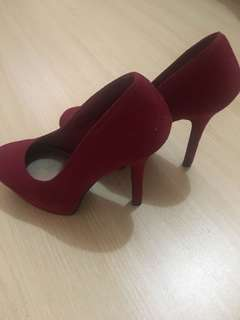Suede Sexy Red pumps