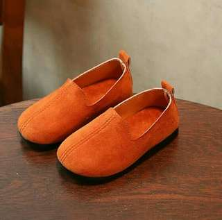 Sepatu fantovel unisex