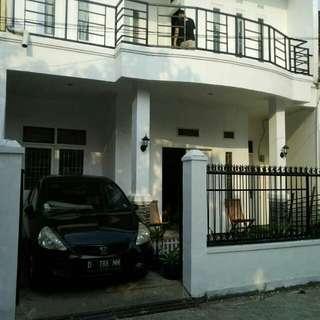 Dijual Rumah 2 Lt Siao Huni