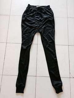 Low crotch jogger pants