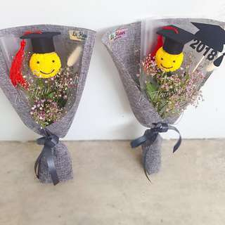 Smiley Graduation Bouquet S1