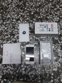🚚 IPHONE 5S 32G 買就送防護皮套跟清潔劑型矽膠皮套
