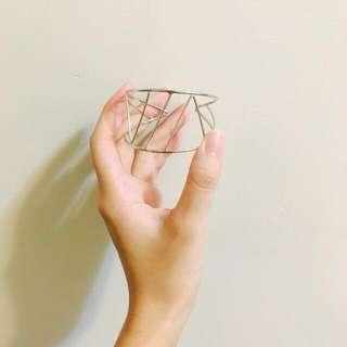 🚚 幾何手環(贈:保濕眼膜)