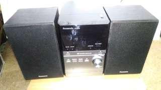 95%新 Panasonic CD/FM 機
