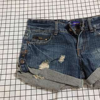 🚚 牛仔短褲💰50
