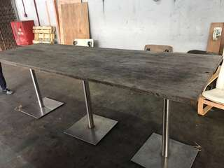 High Bar table (295cm x98cm x H 103 cm)