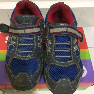 Stride Rite 7-8Y boys shoes