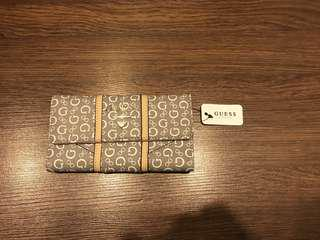 Brand New Authentic Guess Wallet with Paper ang Tag Pricedrop