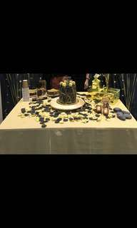 Gold shimmer table cloth