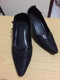 Black Shoes Heels