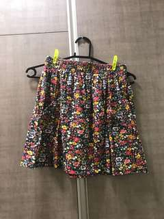 Cotton on floral skirt w/ deep pockets