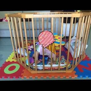 兒童安全圍欄 wooden playpen