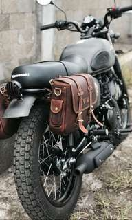 Custom size and type Caferacer harley triumph leather saddle bag