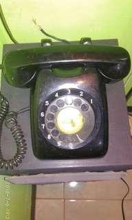 Telepon putar kuno masih normal dan 100 % original.