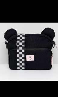 🚚 vans x lazy oaf bear bag