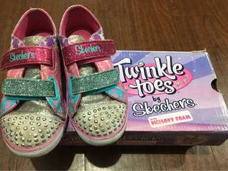 Pre-loved little girls' shoes for 3-5 years old