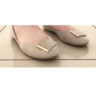 BEIGE FLATS brand London Rebel