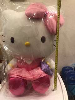 "Hello Kitty 公仔 16""高"