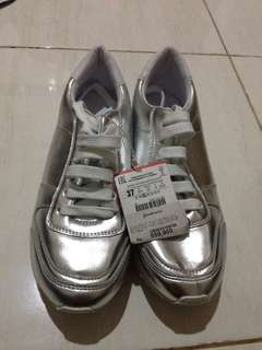 STRADIVARIUS SHOES size 37 only