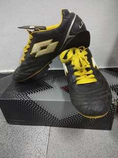 Sepatu Soccer