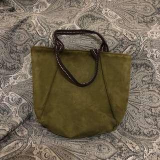 🚚 橄欖綠手工水洗麂皮手提包